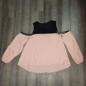 Chico Light pink and black off shoulder puff top